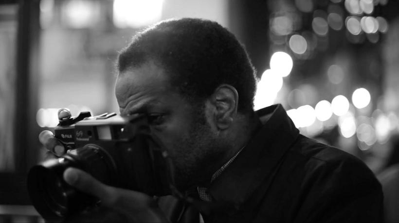 How do magazine photographers work?